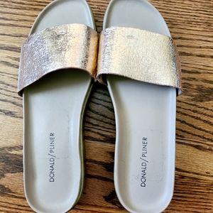 👡 Comfy Blingy Donald / Pliner sandals